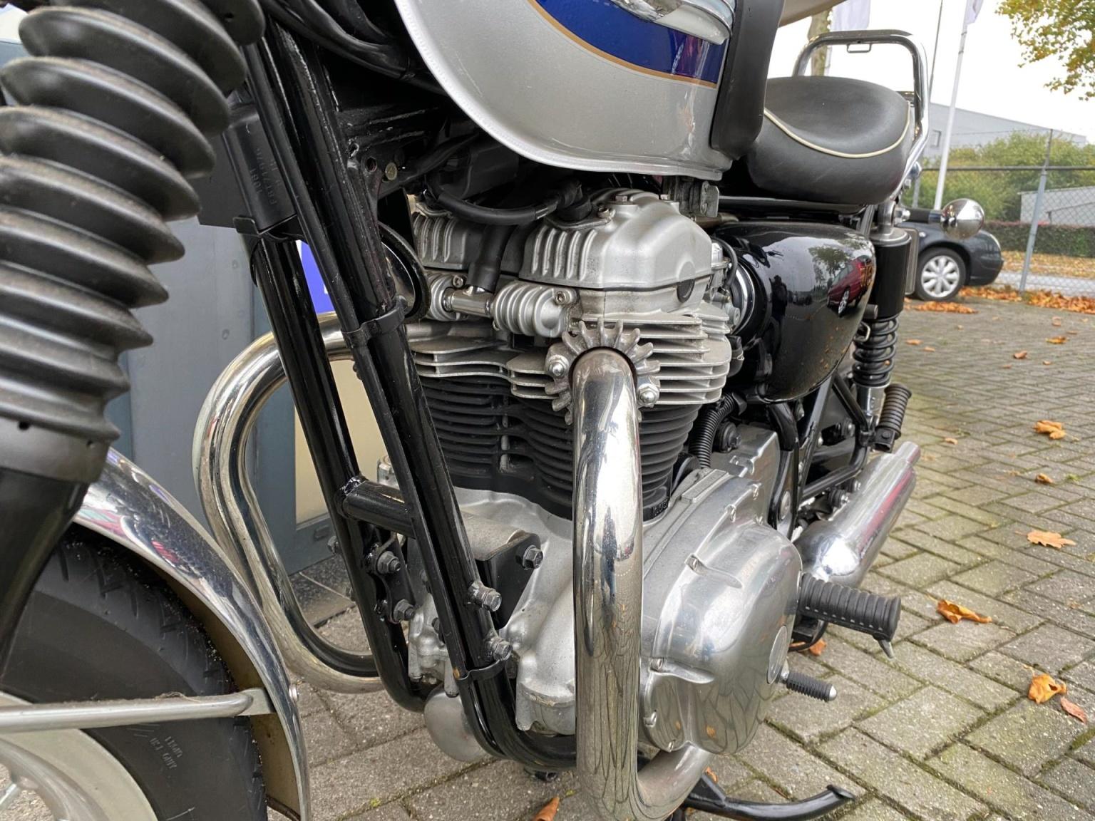 Kawasaki-Tour W 650-3