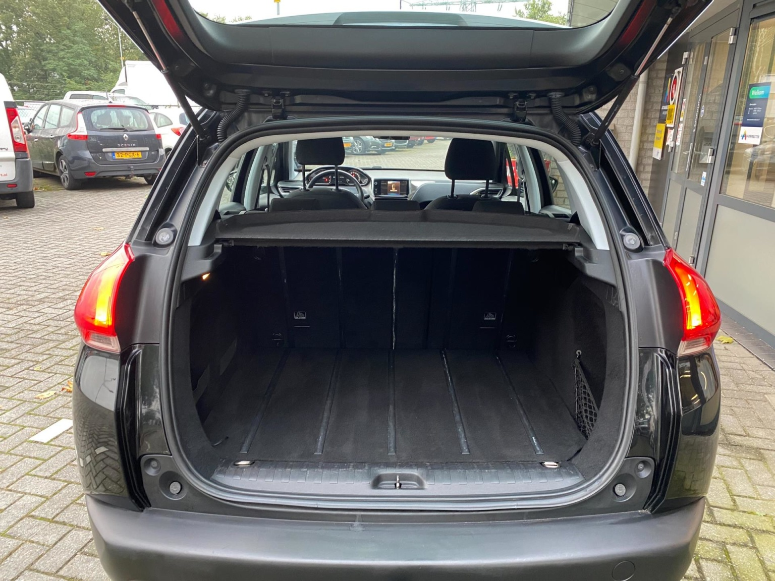 Peugeot-2008-5